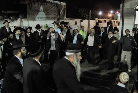 Dancing on the Yahrzeit of Shimon HaTzadik