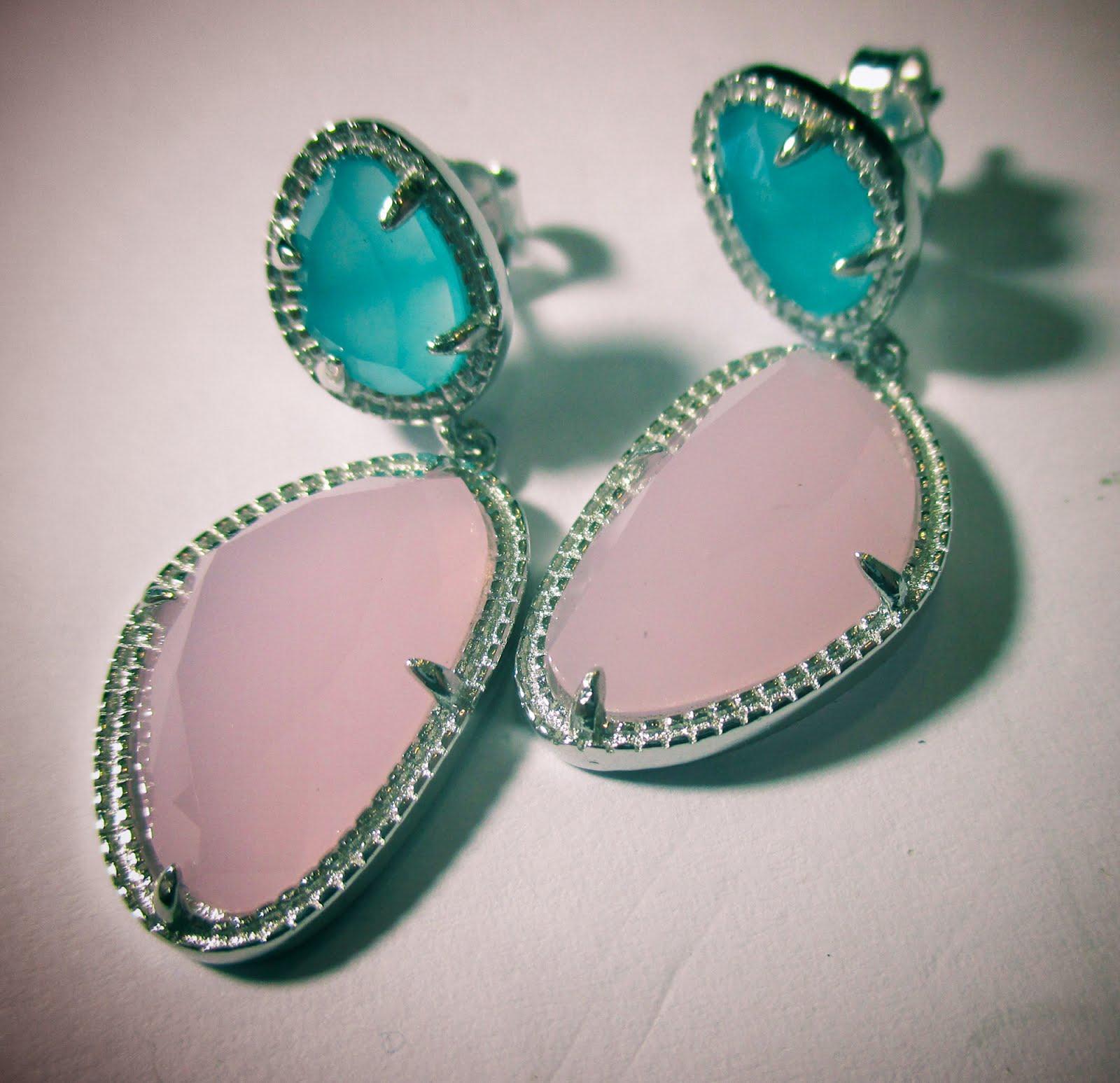Pendientes de plata con piedras de colores