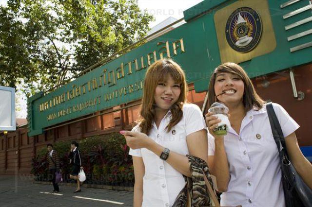 http://3.bp.blogspot.com/-9yDiZWB4NGY/TY8GoykWILI/AAAAAAAADlY/dw5mh3pyonk/s1600/1_university_ladyboys_1.jpg