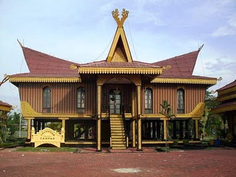 Download this Rumah Adat Kandar Indonesia picture