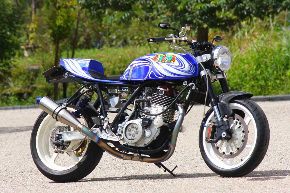 racing caf yamaha sr 400 1996 by cascada moto design. Black Bedroom Furniture Sets. Home Design Ideas