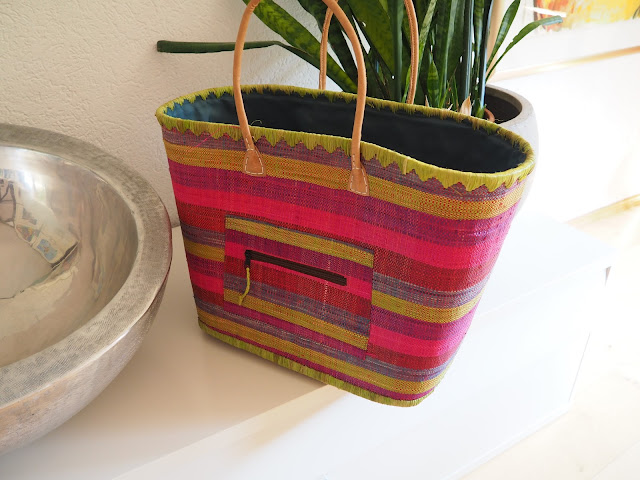 Farbenfroher Korb aus Spanien