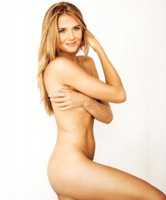 FYI: Petenis Berpose Topless di Majalah