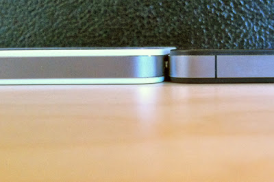 White AT&T and Verizon iPhone 4 has thicker body