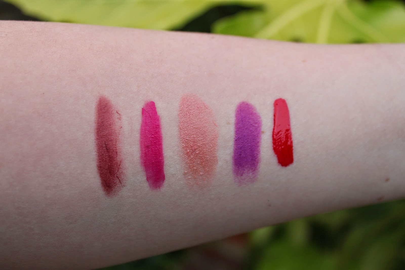 swatches clinique chubby stick intense broadest berry, bourjois rouge edition velvet pink pong, nyx round lipstick pumpkin pie, mac heroine, nyx lip gloss perfect red