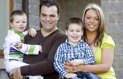 Jeanette Leach family Derita Seorang Wanita Berpayudara Besar