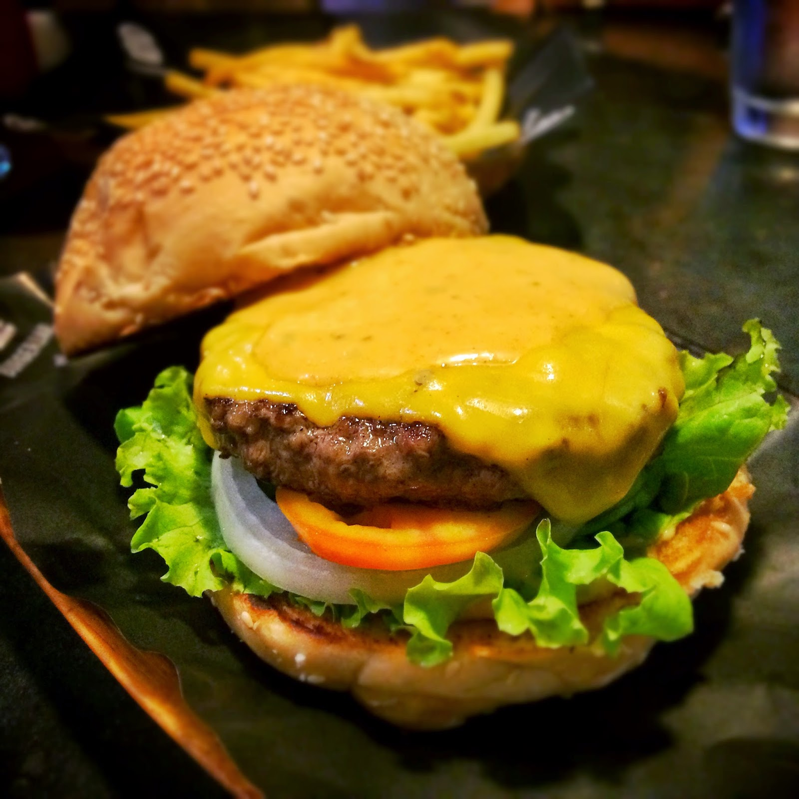 Eat Pray Make Love: Burger Bar, Round 2 3/5 (looloo)