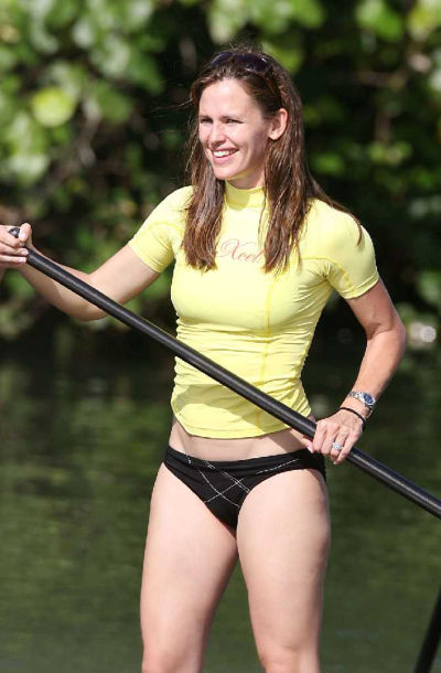 Retro Bikini Jennifer Garner Paddleboards In Bikini At