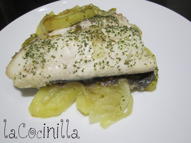 Lacocinilla merluza al horno for Merluza al horno facil