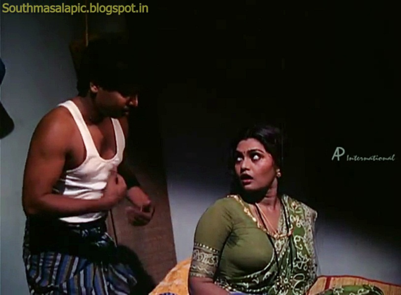 Silk Smitha Urvashi Hot Side Mulai in Blouse Saree | South Masala Pic ...