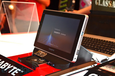 Gigabyte S1080: New Windows 7 tablet with USB 3.0 and optical drive dock