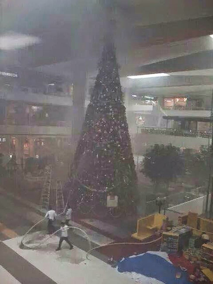 Giant Christmas Tree at SM Lanang Premier Catches Fire