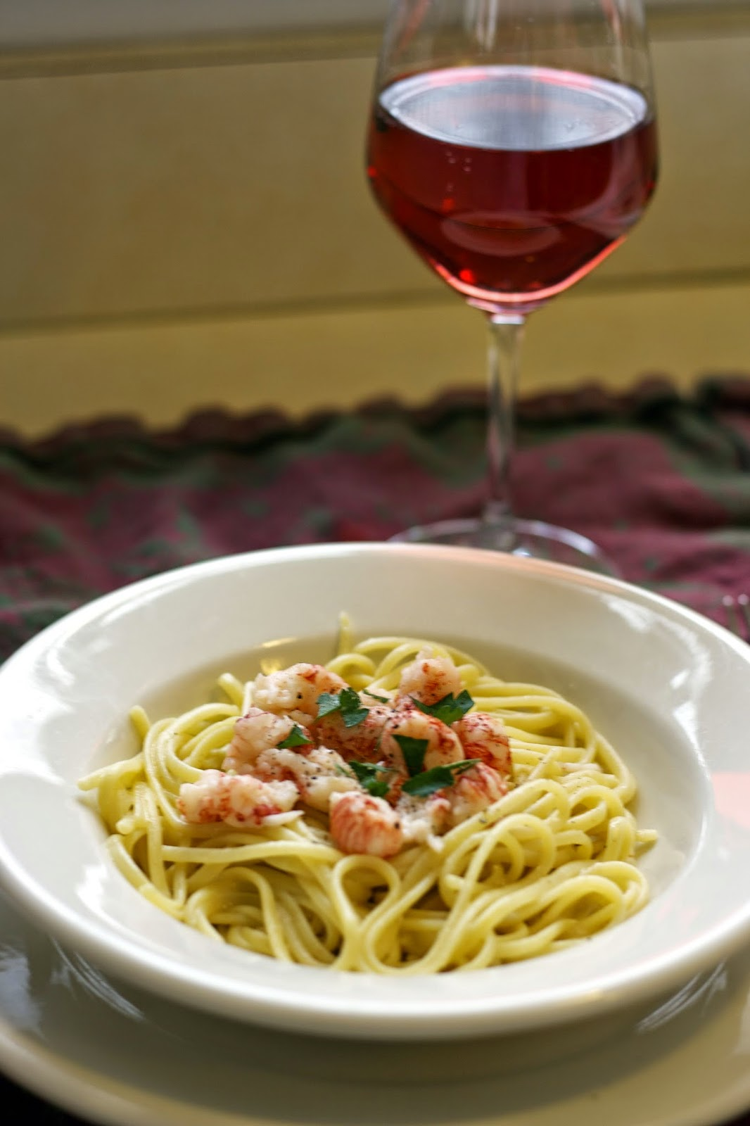 Langostino with Vanilla Cream Sauce over Linguine: simplelivingeating.com