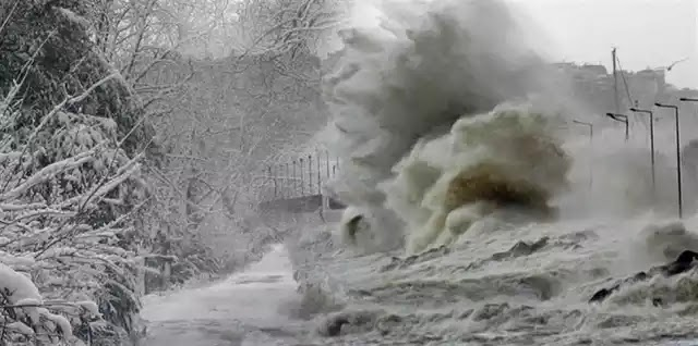 Ο τυφώνας Ίρμα σαρώνει τα πάντα στην Καραϊβική: SOS από τον Ερυθρό Σταυρό.