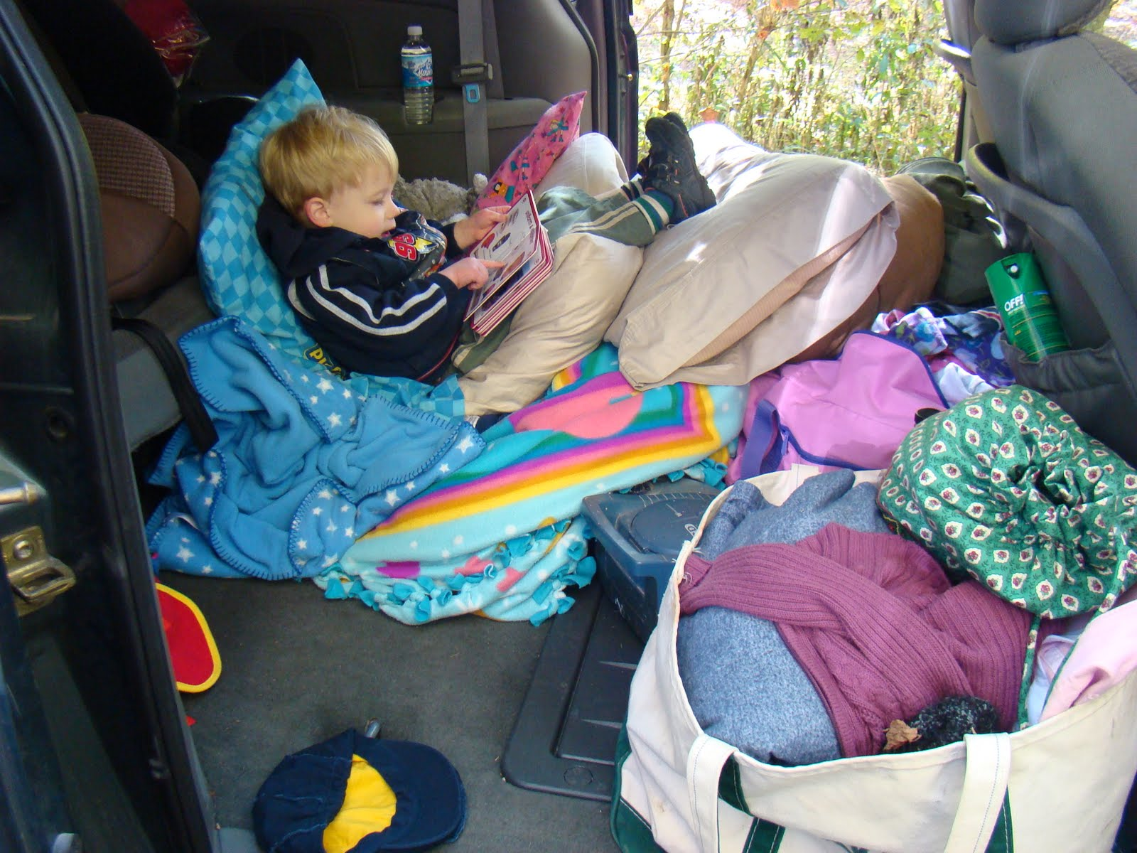 the little things: four kids & a looooong car ride