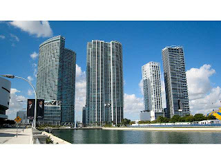 900 biscayne downtown miami real estate