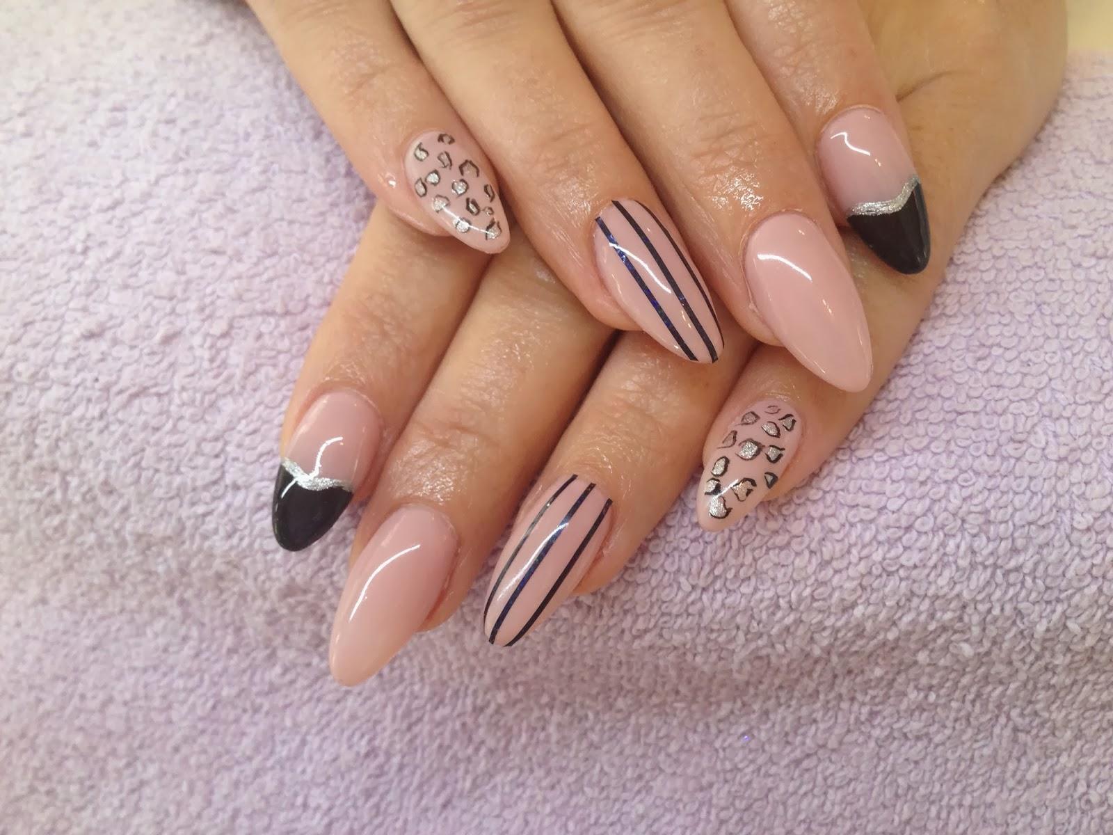 GLAMOUR NAILS: GEL EXTENSIONS