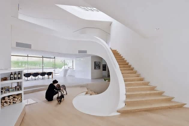 SUPER MODERN FAMILY HOME DESIGN MAKES QUITE A STATEMENT IN THE ...