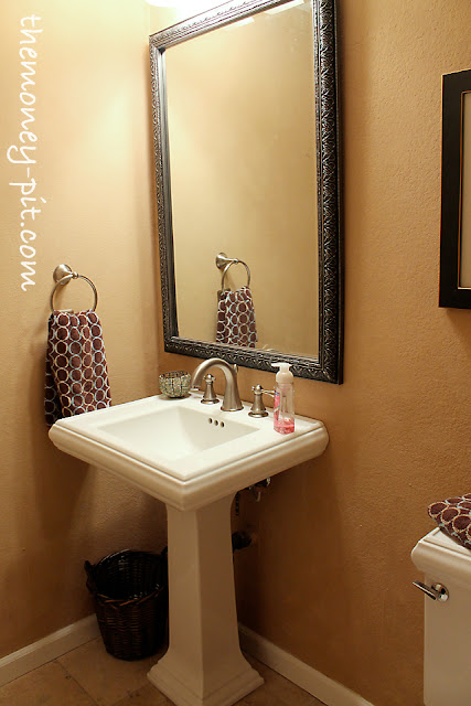 Powder room paint colors home decorating ideas for Powder room color ideas