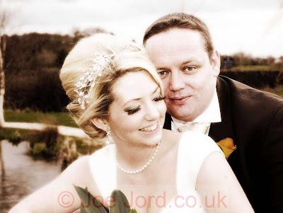 http://3.bp.blogspot.com/-A-wezDrwr08/Tl6PoYGt-9I/AAAAAAAAAg4/S6NdOzXPJxs/s400/Cheshire-Wedding-Photography-at-Grosvenor-Pulford-%25C2%25A9-Joe-Jord-a-Sloan-0474-lotr-half.jpg