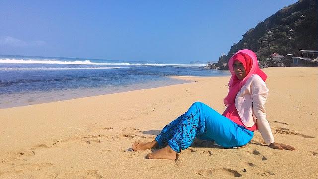Pantai Pok Tunggal, Gunung Kidul, Wonosari, Yogyakarta, pasir putih