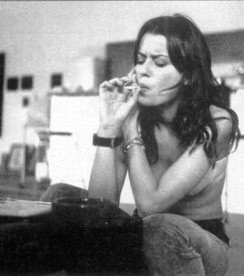 Claudia Pandolfi Smoking Cigarette :: Business Smoking: http://www.businesssmoke.com/2012/03/claudia-pandolfi-smoking-cigarette.html