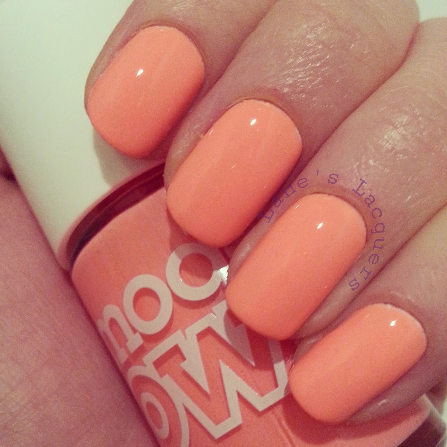 models-own-polish-for-tans-beach-bag-swatch-nails