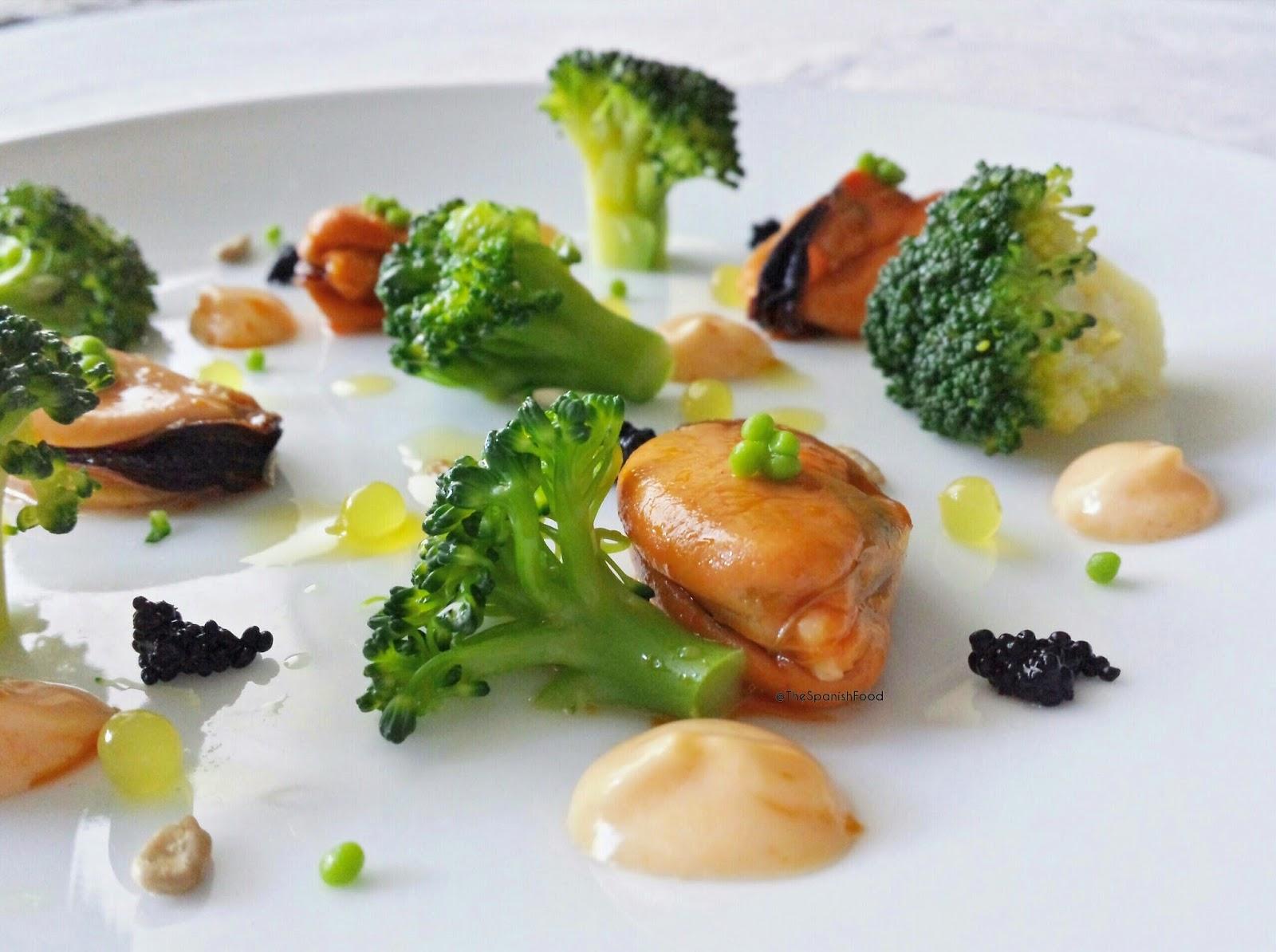 Ensalada de brocoli y mejillones en escabeche de kimchi TSF