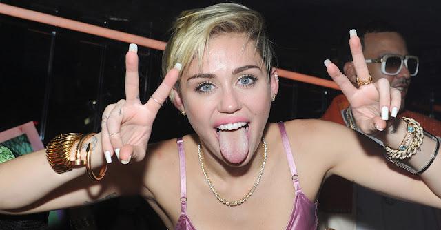 Los MTV VMA 2015 serán transmitidos con un tiempo de retraso, por precaución  a los actos de Miley Cyrus.