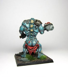 warhammer fantasy troll with hammer for orcs and goblins