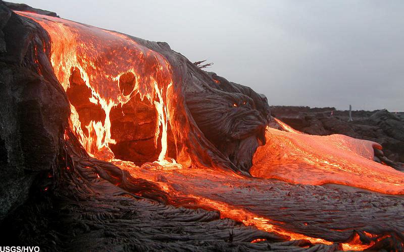 Hujan abu vulkanik, menyebabkan gangguan pernafasan