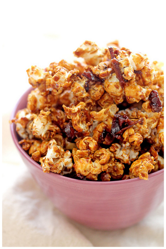 Bacon caramel popcorn (adapted from Kristen at The Endless Meal )