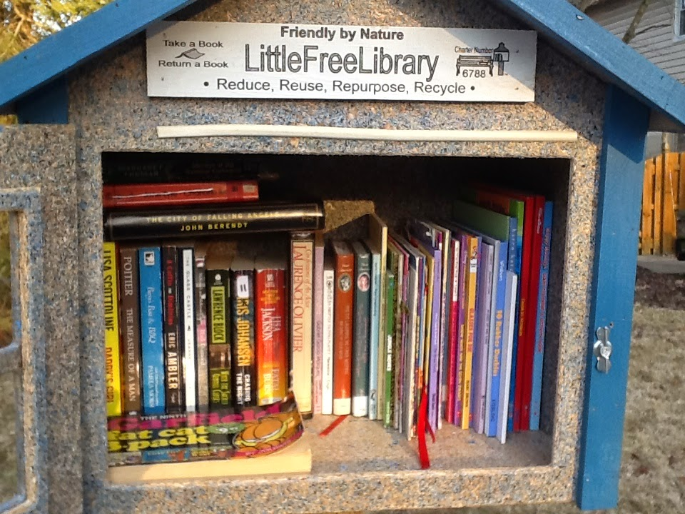 Photo of Little Free Library #6788 full of books.