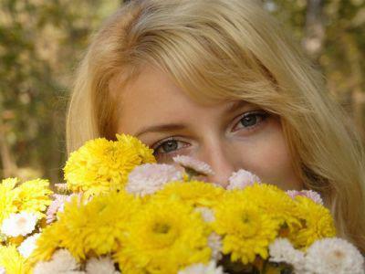 dia de la primavera+mujer+flores
