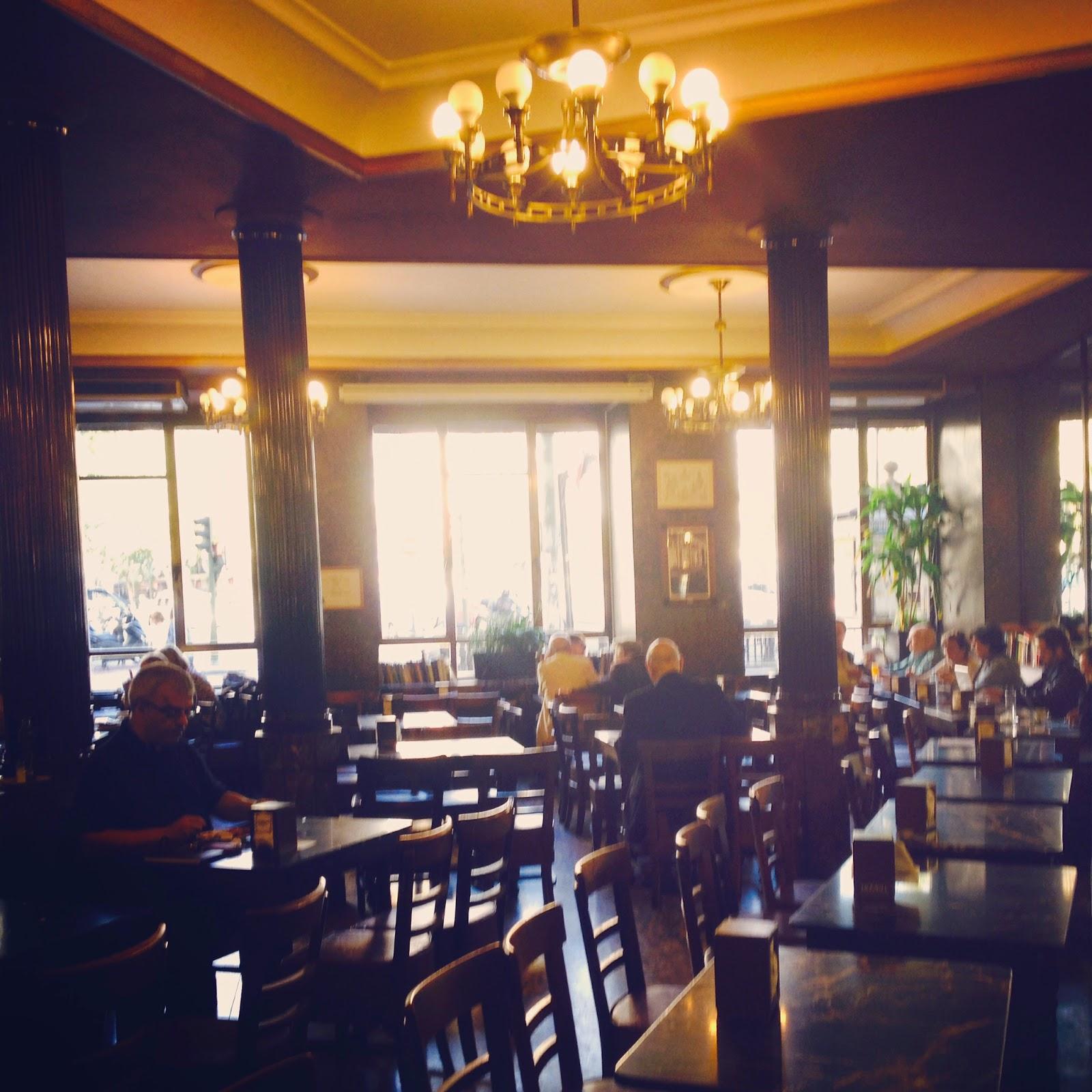 cafe comercial interior 2