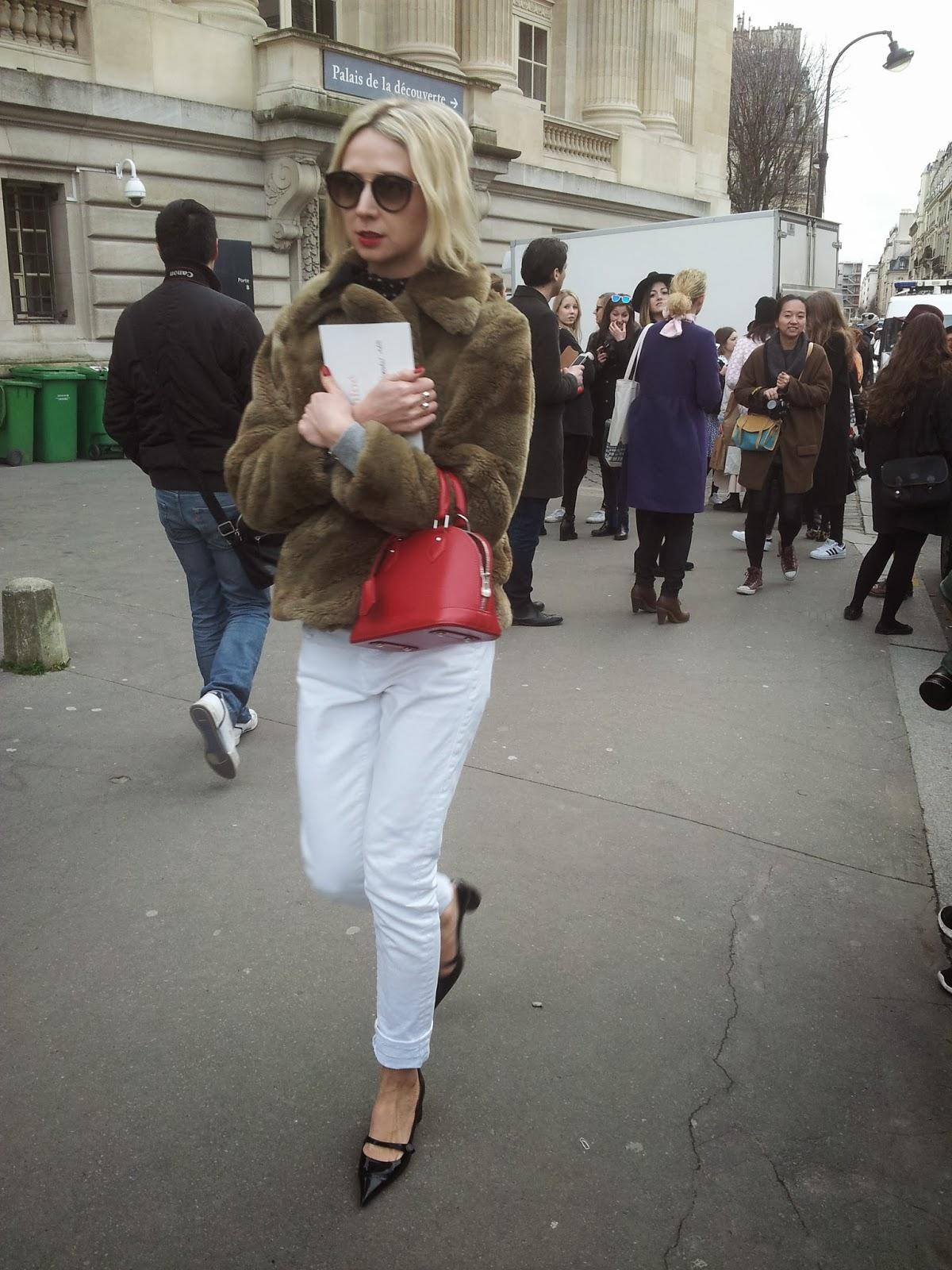 Fotos del streetstyle de la semana de la moda de París en el desfile de Chloé, impresionante el glamour y el estilo.