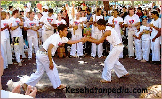 Manfaat olahraga capoeira bagi kesehatan tubuh