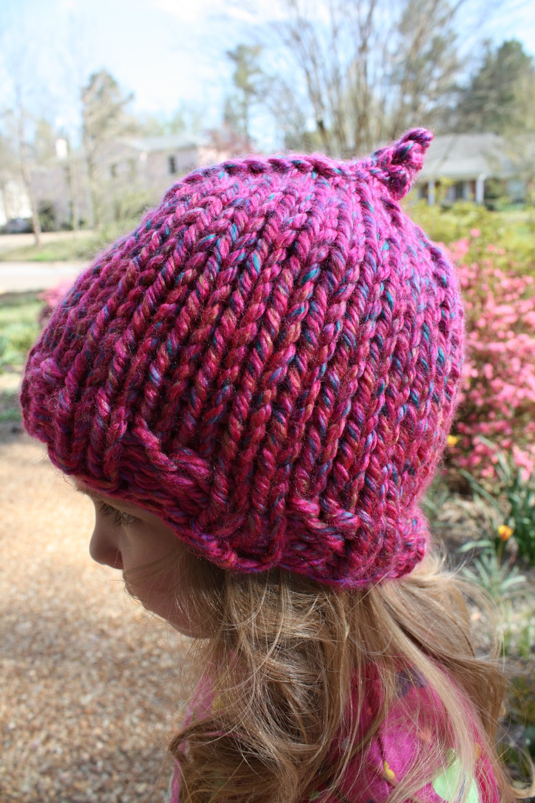 Free Knitting Pattern Hat Bulky Yarn : snapdragon crafts: super bulky child hat knitting pattern ...