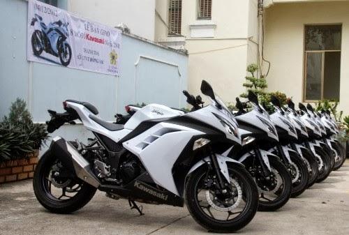 Dàn xe Honda CB223S trang bị cho lực lượng cảnh sát giao thông Hà Nội. Ảnh: Autopro.