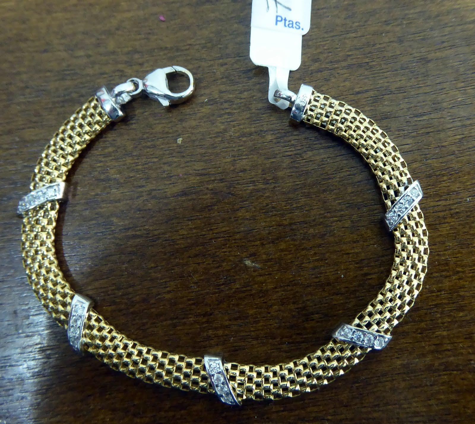 Pulsera de plata dorada 70€