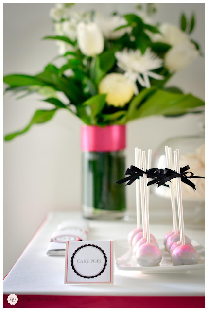 Pink and black 21 st birthday party cake pops from Bistrotchic