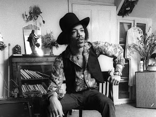 Jimi Hendrix in his Brook Street flat - © Barrie Wentzell