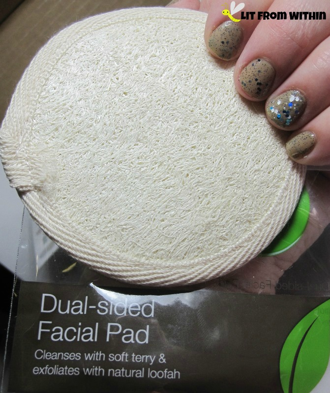 dual-sided facial pad from Swissco
