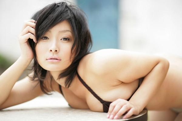 Kazusa Sato Sexy with Bkini