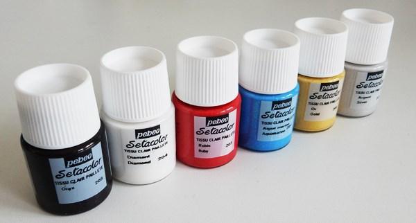 Test : peinture pailletée pour tissus