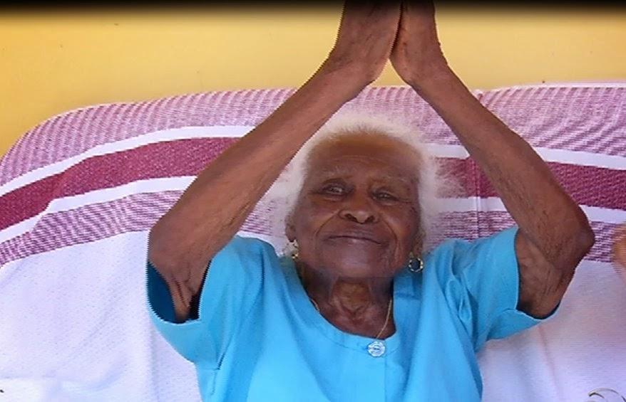 http://www.folhavitoria.com.br/geral/noticia/2015/01/mulher-mais-velha-do-estado-mora-em-afonso-claudio.html
