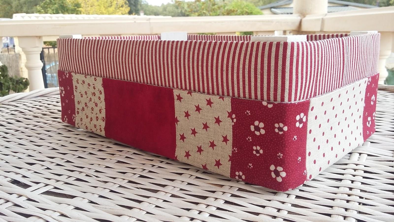 Flor de minuto como forrar una caja de fresas for Forrar cajas de carton con tela
