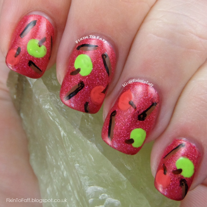 Cinnamon and apple nail art.