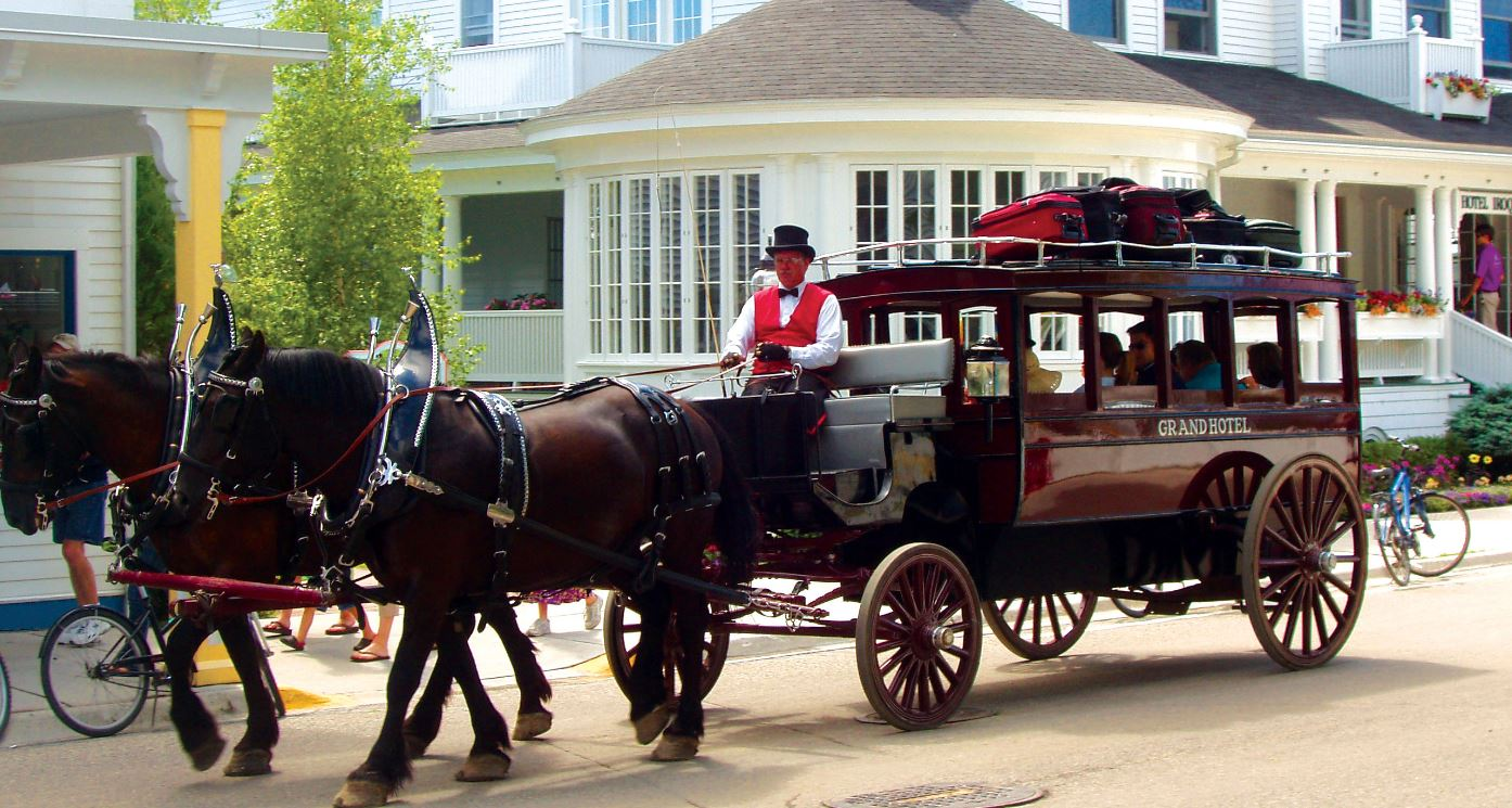 Just a car guy horse carriage of the grand hotel on for Car carriage