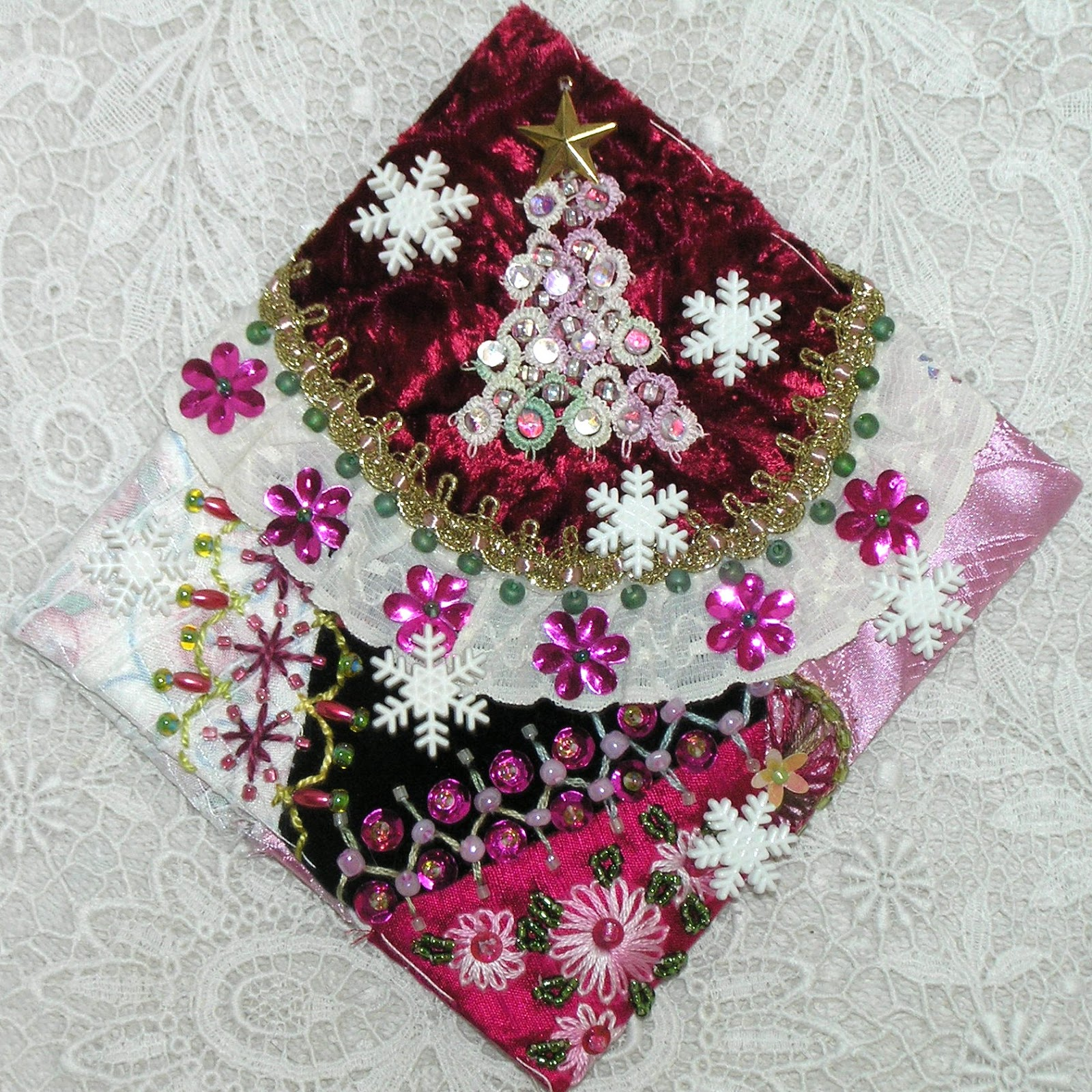Quilting Christmas Ornaments Patterns : Kitty And Me Designs: Crazy Quilt Blocks for Christmas Ornaments